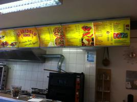 Foto 6 Biete, Imbiss / Doner / Pizza , mit kompletem Inventarund Sitzmoglichkeiten.