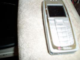 Biete  ein Nokia3120mit Akku und Ladekabel gut erhalten für alle Karten