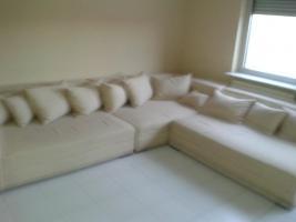 Big-Couch beigefarben 4 Monate alt