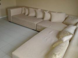 Foto 2 Big-Couch beigefarben 4 Monate alt