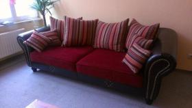 Big Sofa mit vielen Kissen