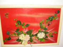 Foto 2 Bild mit Kunststoffblumen beklebt