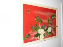 Foto 3 Bild mit Kunststoffblumen beklebt