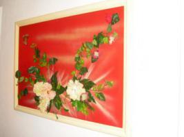 Foto 4 Bild mit Kunststoffblumen beklebt