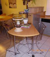 Foto 2 Bistro-Sitzmöglichkeit