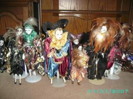 Foto 2 Bitte meine Sammlung von Porzelan u Harlekin zum verkauf an