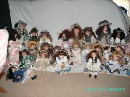 Foto 4 Bitte meine Sammlung von Porzelan u Harlekin zum verkauf an