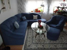 Foto 2 Blaue Eckcouch mit 1 Sessel und Hocker