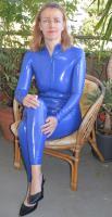 Blauer Latex Catsuit