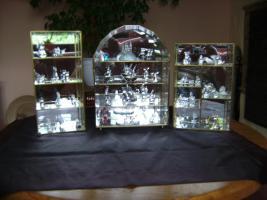 Bleikriatall-Vitrinen und Figuren( Bleikristallregen)