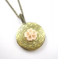 Blümchen Amulett Kette