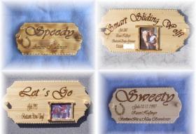 Foto 3 Boxen und Türschilder aus Holz