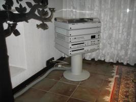 Braun HiFI-Anlage mit Boxen