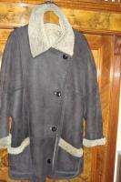Braune Lederjacke mit gewachsenem Fell