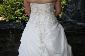 Foto 4 Brautkleid 42 neuwertig