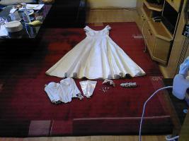 Brautkleid mit Accessoires