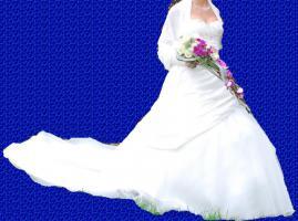 Brautkleid Gr. 36 cremfarbig mit Schleppe, Preis VB 600€