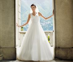 Brautkleid von Lilly neu gr. 38 sofort lieferbar. Anprobe möglich
