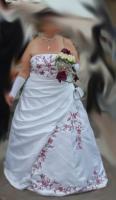 Foto 3 Brautkleid Reifrock Stola Handschuhe weiß bordeaux 48 50 52