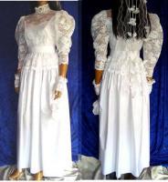 Brautkleid Tasche Handschuhe Haarschmuck 38 - 40 LILLY  Artikelzustand: Gebraucht wie Neu