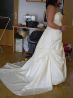 Foto 2 Brautkleid!!! creme