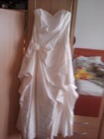 Brautkleid komplett mit Schleier und mit Haarschmuck