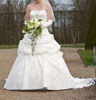 Foto 3 Brautkleid, Hochzeitskleid Gr. 38 von Kleemeier/Valerie + Zubehör