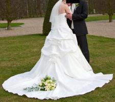 Foto 5 Brautkleid, Hochzeitskleid Gr. 38 von Kleemeier/Valerie + Zubehör