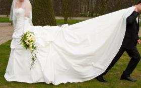 Foto 6 Brautkleid, Hochzeitskleid Gr. 38 von Kleemeier/Valerie + Zubehör