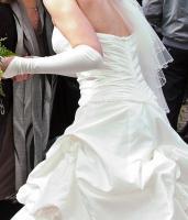 Foto 8 Brautkleid, Hochzeitskleid Gr. 38 von Kleemeier/Valerie + Zubehör
