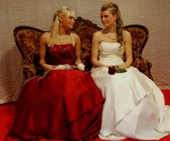 Brautmode zum mieten oder kaufen 2011