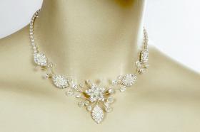 Brautschmuck - Handgefertigte edle Accessoires - Diademe, Tiara, Halsketten, Haark�mme aus Swarovski-Kristallen, S�sswasserperlen hochwertig verarbeitet