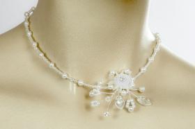 Foto 4 Brautschmuck - Handgefertigte edle Accessoires - Diademe, Tiara, Halsketten, Haark�mme aus Swarovski-Kristallen, S�sswasserperlen hochwertig verarbeitet