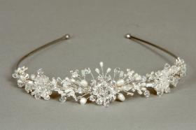 Foto 5 Brautschmuck - Handgefertigte edle Accessoires - Diademe, Tiara, Halsketten, Haark�mme aus Swarovski-Kristallen, S�sswasserperlen hochwertig verarbeitet