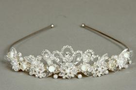 Foto 7 Brautschmuck - Handgefertigte edle Accessoires - Diademe, Tiara, Halsketten, Haark�mme aus Swarovski-Kristallen, S�sswasserperlen hochwertig verarbeitet