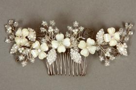 Foto 10 Brautschmuck - Handgefertigte edle Accessoires - Diademe, Tiara, Halsketten, Haark�mme aus Swarovski-Kristallen, S�sswasserperlen hochwertig verarbeitet