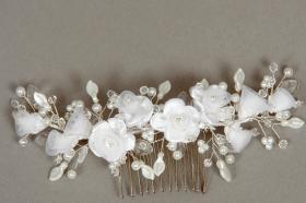 Foto 17 Brautschmuck - Handgefertigte edle Accessoires - Diademe, Tiara, Halsketten, Haark�mme aus Swarovski-Kristallen, S�sswasserperlen hochwertig verarbeitet