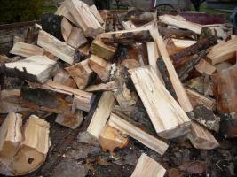 Foto 3 Brennholz Hartholz gespalten und geschnitten