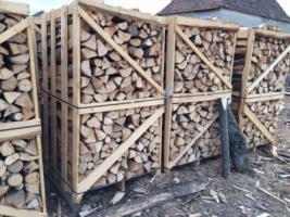 Foto 3 Brennholz in Paletten