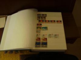 Briefmarkenalbum mit Briefmarken+Briefmarken+ anderes Album