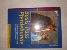 Buch: Basis-Pass Pferdekunde
