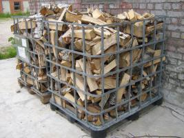 Buchenholz ofenfertig frisch zum Einlagern