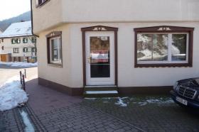 Büro oder Laden von ca. 65qm zu vermieten