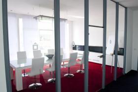 Foto 3 Büroräume im WEISSEN HAUS zu vermieten !!