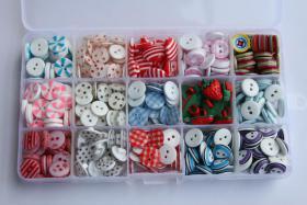 Bunte Knopfsortiment Box, 431 Knöpfe, 15 verschiedenen Knopfdesigns