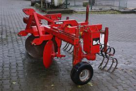 bvl van lengerich spargelpflug in gladbeck von privat traktor landwirtschaftl fahrzeuge. Black Bedroom Furniture Sets. Home Design Ideas