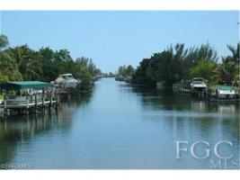 Foto 2 CASA FiORE- 5* Luxuspoolvilla mit Gulfzugang in Cape Coral, FL