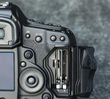 Foto 5 Canon EOS 1D X 18.1 MP
