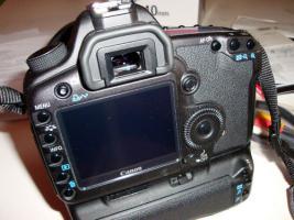 Foto 4 Canon EOS 5D Mark II + 17-40 Canon L + Batteriegriff