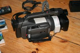 Foto 3 Canon XM1 Camcorder und sehr viel Zubehör